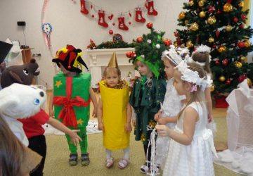 Ziemasvētku teātra izrādes